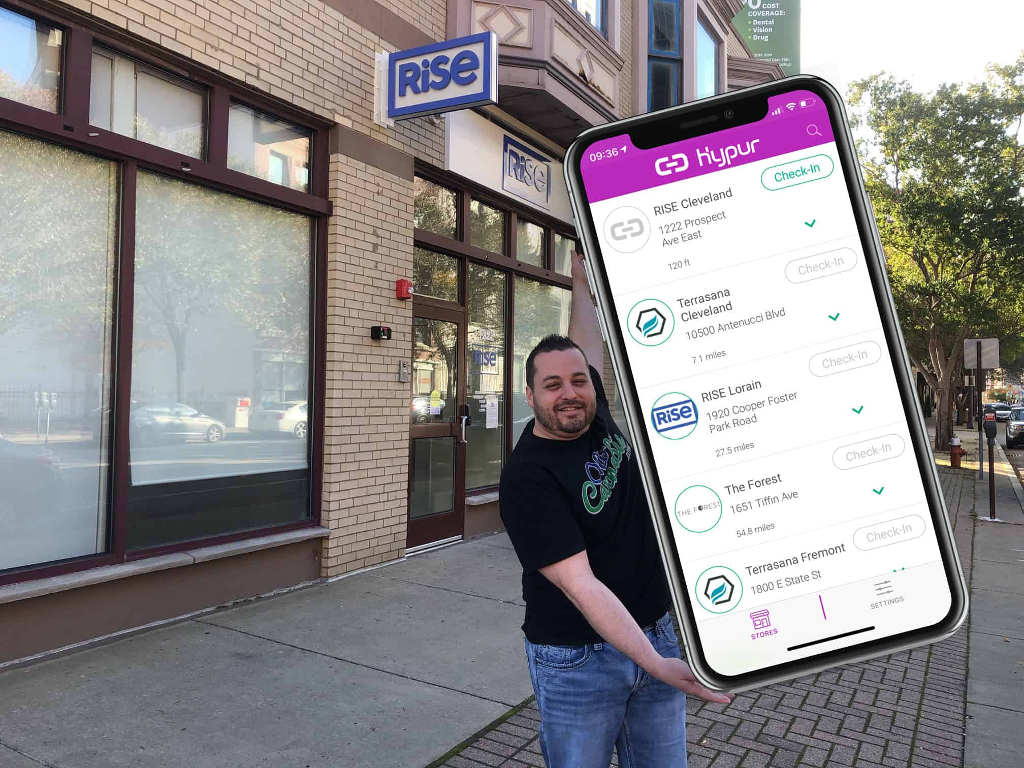 JohnnyCannabis Using the Hypur App at Rise Dispensaries Cleveland